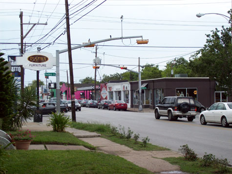 Here's a shot I snapped of Westheimer at Dunlavy, during a recent visit with my pal David.